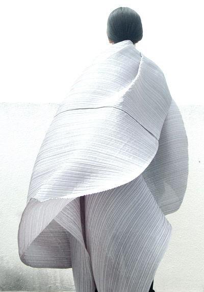 Cultura Textil: Sintéticos vs. Naturales
