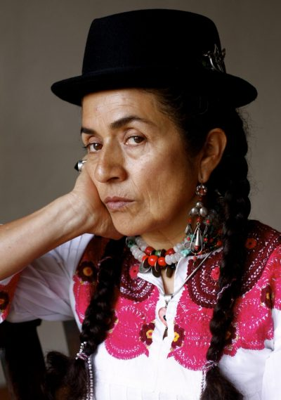 Carmen Vicente: Los bordados de la sangre