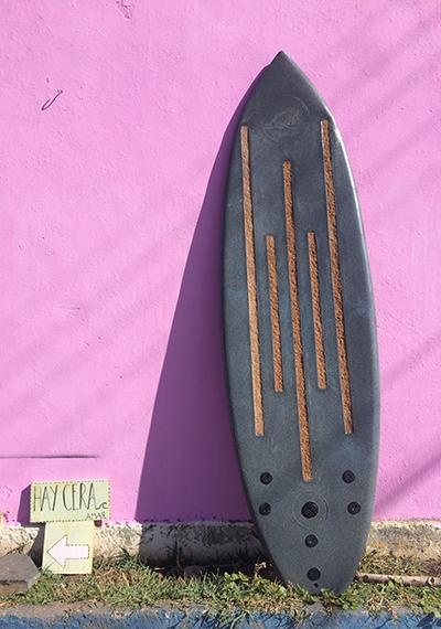 Sustentabla: Tablas de surf de plástico reciclado