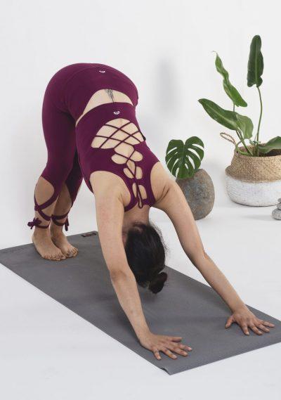 Yoga: Adho mukha svanasana o perro boca abajo