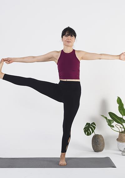 Yoga: Utthita hasta padangusthasana