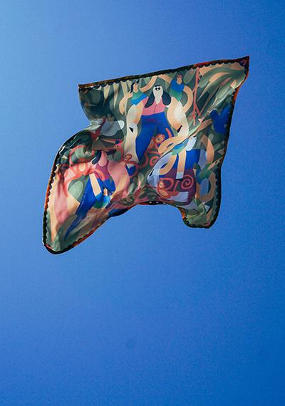 Pañuelos solidarios, la moda como terapia